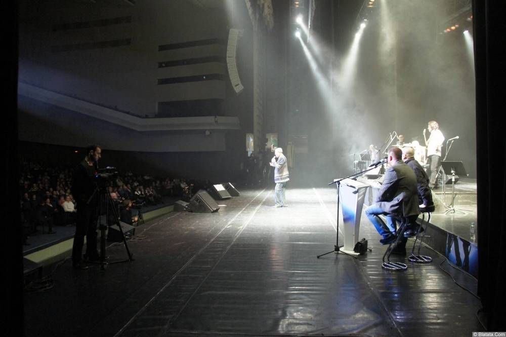 Слава Медяник на сцене на XX-м фестивале памяти Аркадия Северного