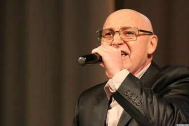 Аркадий Соловейчик на сцене в Тольятти