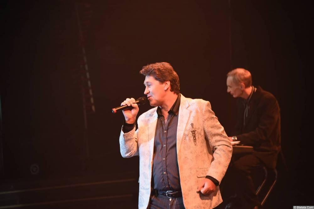 Владимир Черняков - Новое и лучшее 30 ноября 2015 года поёт на сцене в Санкт-Петербурге